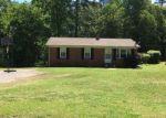 Foreclosed Home en N RUTHERFORD ST, Wadesboro, NC - 28170