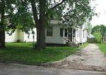 Foreclosed Home en EDGAR AVE, Mattoon, IL - 61938