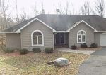 Foreclosed Home en ROLLING HILLS DR, East Stroudsburg, PA - 18302