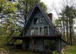 Foreclosed Home en PENN HILLS DR, Bartonsville, PA - 18321