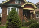 Foreclosed Home en S 6TH ST, Milwaukee, WI - 53215