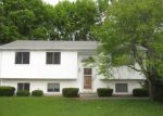 Foreclosed Home en CLARKE ST, Warwick, RI - 02886