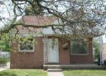 Foreclosed Home en W OUTER DR, Redford, MI - 48239