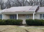 Foreclosed Home en CONTINENTAL DR, Taylor, MI - 48180