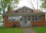 Foreclosed Home en N 8TH ST, Pekin, IL - 61554
