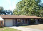 Foreclosed Home en KIOWA AVE, Orange Park, FL - 32065