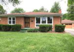 Foreclosed Home en HAMPSTEAD DR, Louisville, KY - 40216