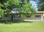 Foreclosed Home en E HORSESHOE BEND DR, Winfield, MO - 63389