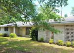 Foreclosed Home en SOMERSET DR, Moss Point, MS - 39562