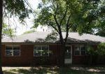 Foreclosed Home en SE 15TH ST, Pryor, OK - 74361