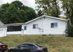 Foreclosed Home en W MOUNTAIN AVE, Pen Argyl, PA - 18072