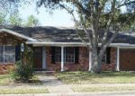 Foreclosed Home en YORKSHIRE LN, Victoria, TX - 77904
