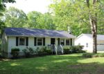 Foreclosed Home en PRESIDENTS RD, Scottsville, VA - 24590