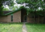 Foreclosed Home en N BARBEE ST, Lovelady, TX - 75851