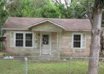 Foreclosed Home en N ARCOLA ST, Angleton, TX - 77515