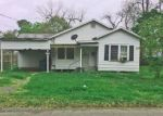 Foreclosed Home en E SPRUCE ST, Crowley, LA - 70526