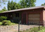 Foreclosed Home en CUMNOCK ST, Henderson, KY - 42420