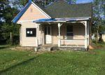 Foreclosed Home en LEVA ST, Hillsboro, IL - 62049