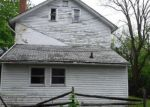 Foreclosed Home en S CHURCH ST, Whitehall, PA - 18052