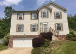 Foreclosed Home en EMERALD DR, New Kensington, PA - 15068