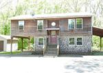 Foreclosed Home en MIDDLETOWN AVE, East Hampton, CT - 06424