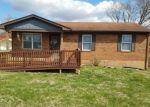 Foreclosed Home en HEMLOCK ST, Vine Grove, KY - 40175