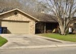 Foreclosed Home en HIDEAWAY CIR, New Braunfels, TX - 78130