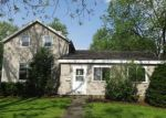 Foreclosed Home en 1ST ST, Cary, IL - 60013