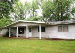 Foreclosed Home en E FAIRFIELD RD, Mount Vernon, IL - 62864