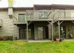 Foreclosed Home en SPRUCE HILLS DR, Glen Gardner, NJ - 08826