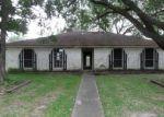 Foreclosed Home en BARCELONA DR, Friendswood, TX - 77546