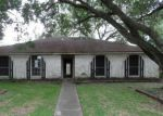 Foreclosed Home en BARCELONA DR, Friendswood, TX - 77546