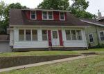 Foreclosed Home in S 4TH AVE E, Newton, IA - 50208