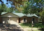 Foreclosed Home en APPLE ARBOR DR, Spring, TX - 77373