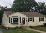 Foreclosed Home en DAVIS AVE, Cranston, RI - 02910