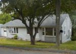 Foreclosed Home en BUSHNELL AVE, Oakville, CT - 06779