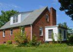 Foreclosed Home en E GARWOOD AVE, Williamstown, NJ - 08094