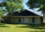 Foreclosed Home en CORDOBA DR, Zachary, LA - 70791