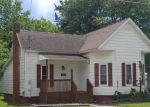 Foreclosed Home en E PARKER ST, Pinckneyville, IL - 62274