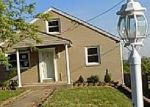 Foreclosed Home en CRESTVIEW RD, Pittsburgh, PA - 15235