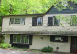 Foreclosed Home en WASSERGASS RD, Hellertown, PA - 18055
