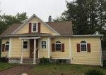 Foreclosed Home en BIRCH ST, Terryville, CT - 06786