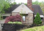 Foreclosed Home en E RALSTON AVE, Akron, OH - 44301