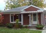 Foreclosed Home en ANITA ST, Harper Woods, MI - 48225