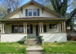 Foreclosed Home en E SOUTH AVE, Greenville, IL - 62246