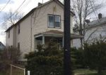 Foreclosed Home en LOCUST AVE, Red Bank, NJ - 07701