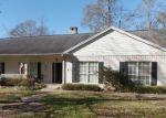 Foreclosed Home en OAKWOOD DR, Jasper, TX - 75951