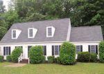 Foreclosed Home en WILTON COVES DR, Hartfield, VA - 23071
