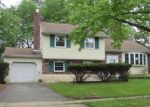 Foreclosed Home en STONEGATE DR, Mount Holly, NJ - 08060