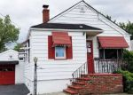 Foreclosed Home en LANZA AVE, Saddle Brook, NJ - 07663